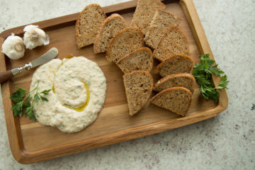 White Bean & Garlic Spread