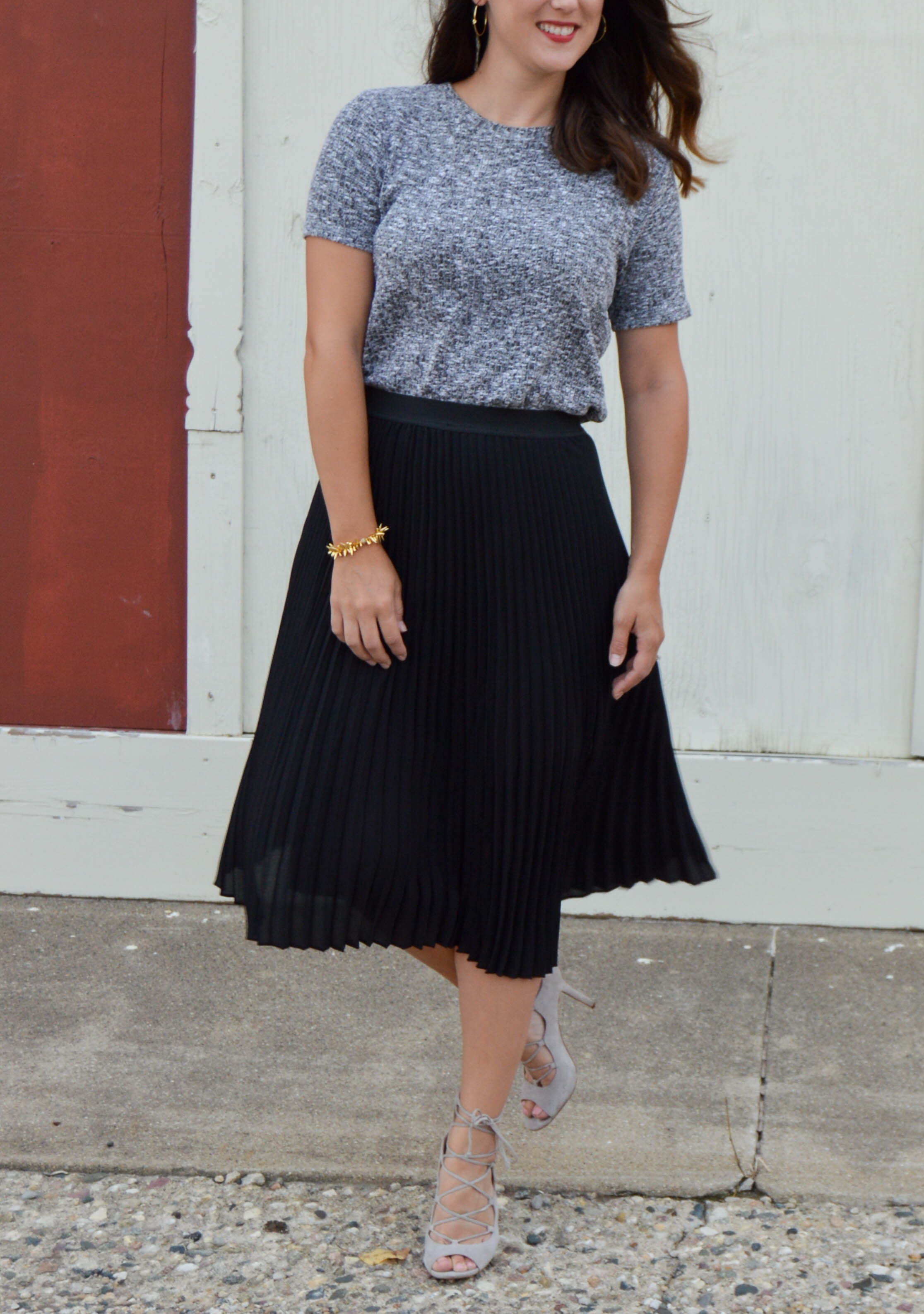 black pleated midi skirt - women's fall fashion