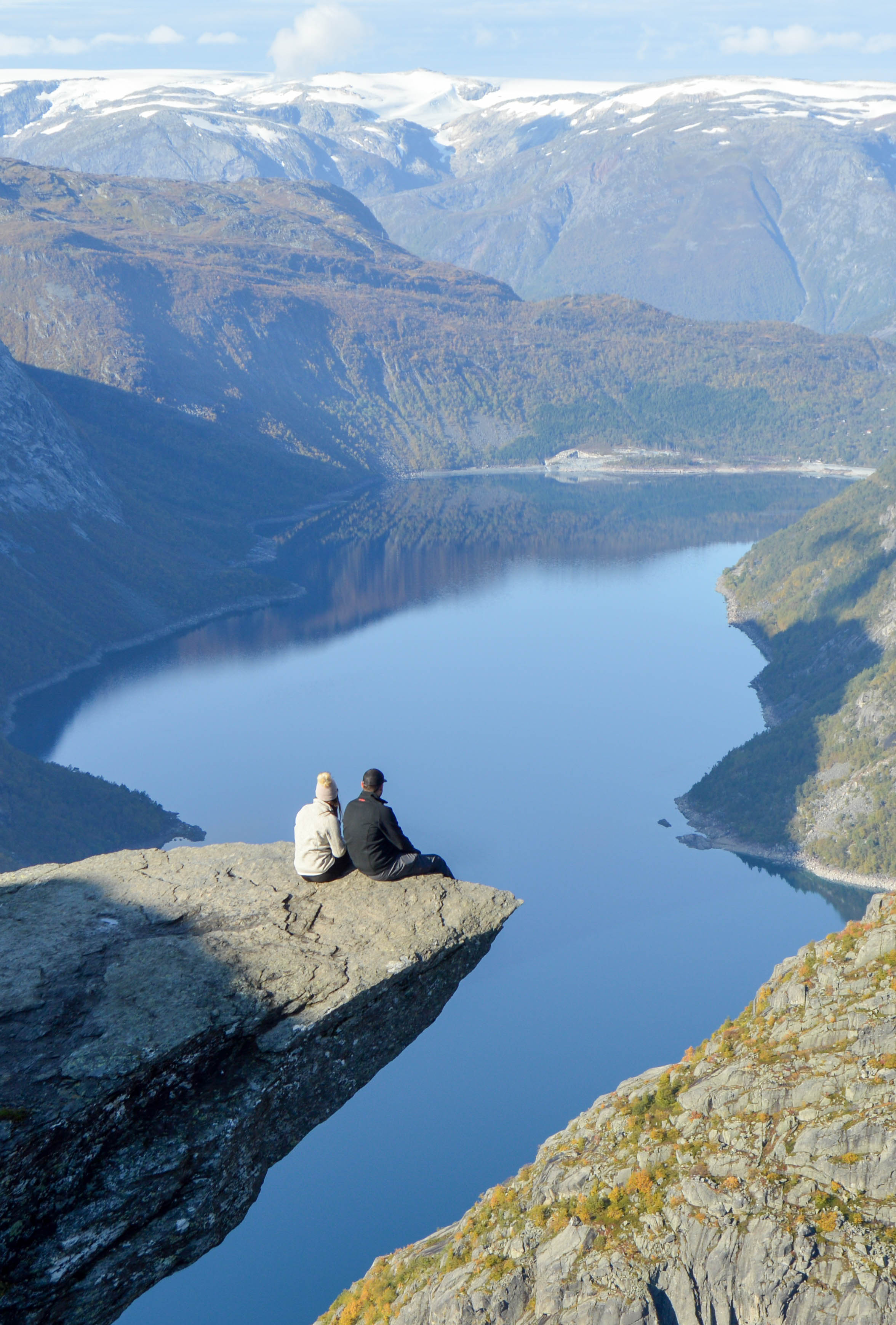 hiking trolltunga - norway